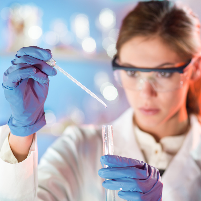 Woman scientist working in the laboratory